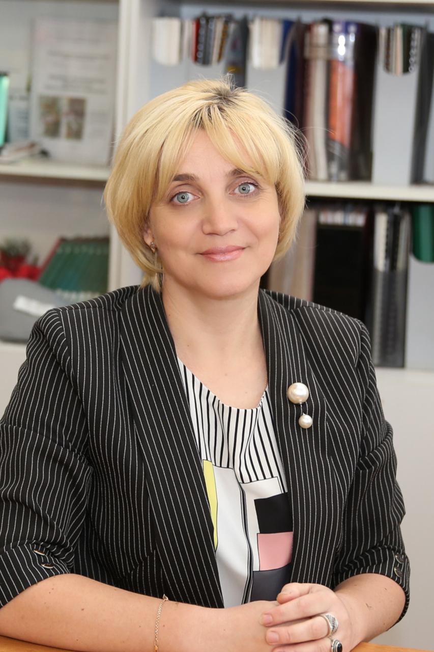 Смирнова Нина Геннадьевна - директор школы
